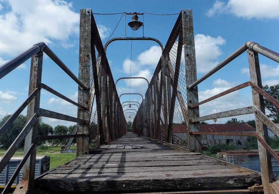 Puente Estación de trenes y cargas Ferrocarril Belgrano. Foto Natalia Pérez.